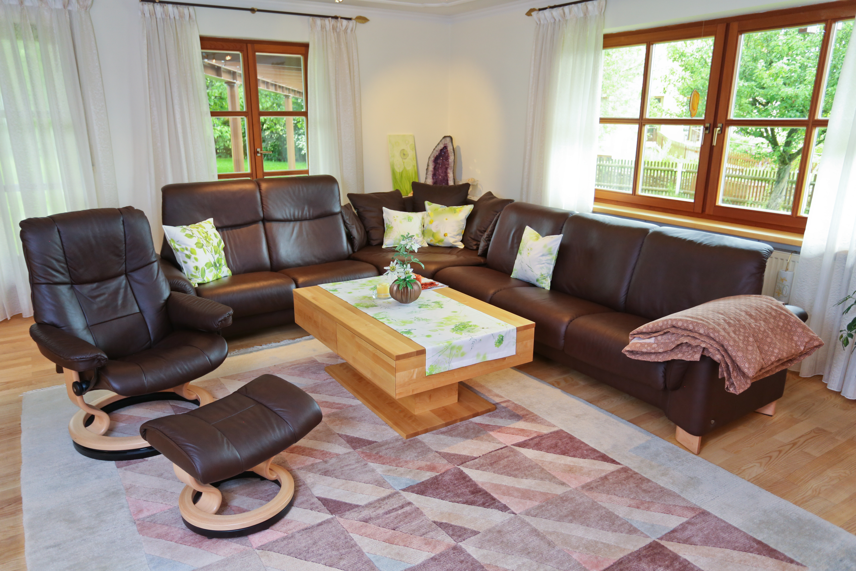klassischer wohnzimmertisch in birke schreinerei birkner. Black Bedroom Furniture Sets. Home Design Ideas